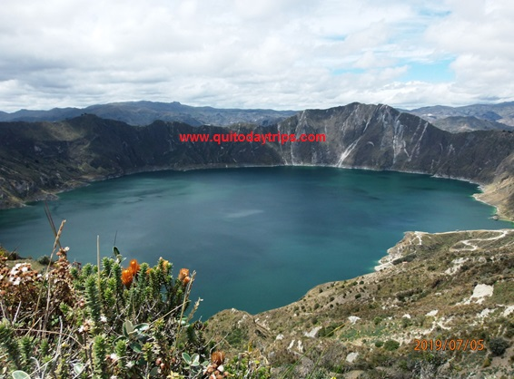 quilotoa hiking tour